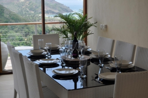 Dining table ready for eight people