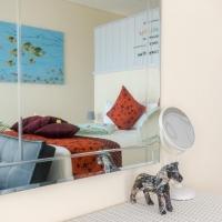 Mirror shot of Villa Atas Pelangi master bedroom